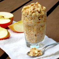 Applesauce overnight oatmeal recipe, from www.cheaprecipeblog - Repin to save!