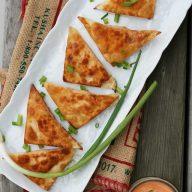 Buffalo chicken wontons (bontons) recipe, from Cheap Recipe Blog