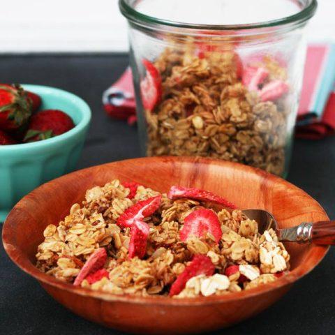 Strawberry granola, from Cheap Recipe Blog