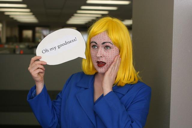 Lichtenstein/Pop Art girl costume for Halloween. An art-inspired #halloween #costume