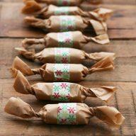 Cacao nib & honey caramels make a great gift! Repin to save.