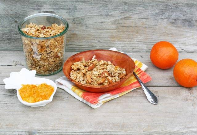 Orange marmalade granola. Click through for instructions and recipe!