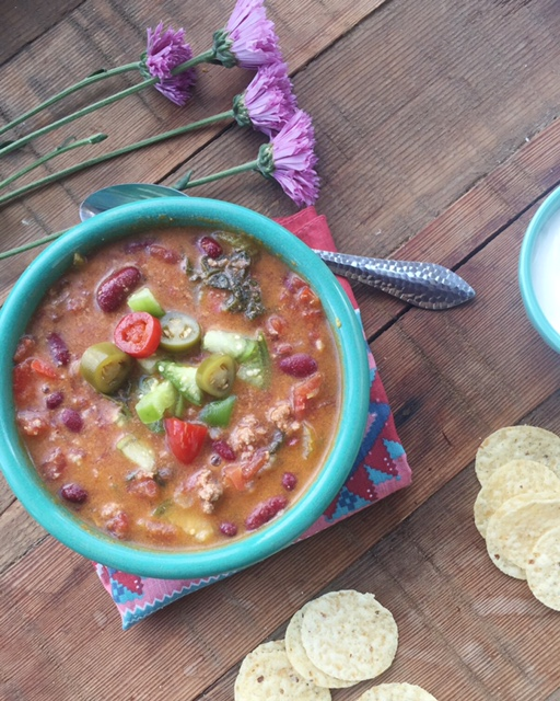 10-Minute taco soup: A VERY quick and easy soup recipe (that's totally delish!) Repin to save.