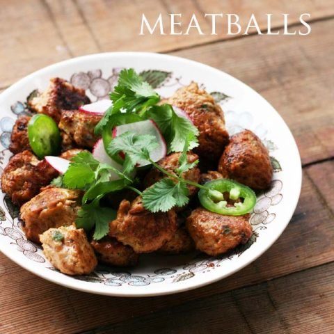 Chicken bahn mi meatballs. SO FLAVORFUL and super easy to make. Click through for recipe!