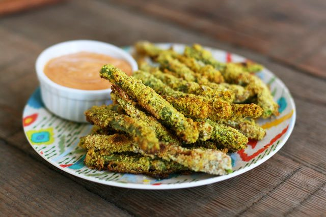 Almond-crusted oven-baked turmeric green bean fries.