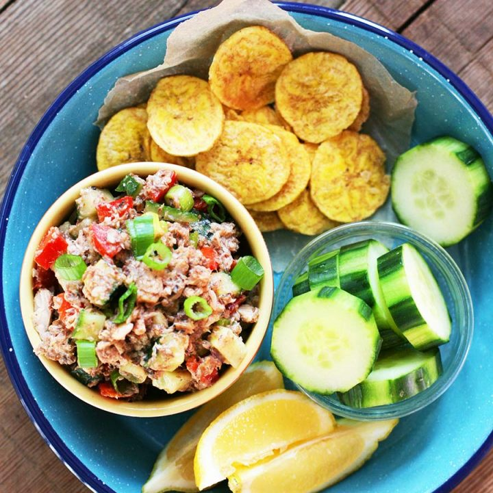 Paleo sardine dip: This is the recipe that will make you a sardine fan. Click through for instructions!