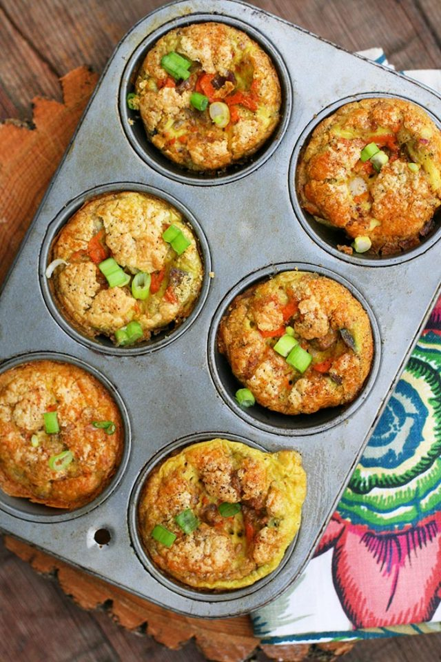 Make-ahead breakfast egg cups: Make a batch at the beginning of the week and enjoy for days!