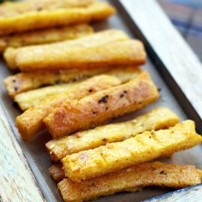 How to make crispy polenta fries: Such an easy and cheap recipe, but it's a crowd-pleaser!