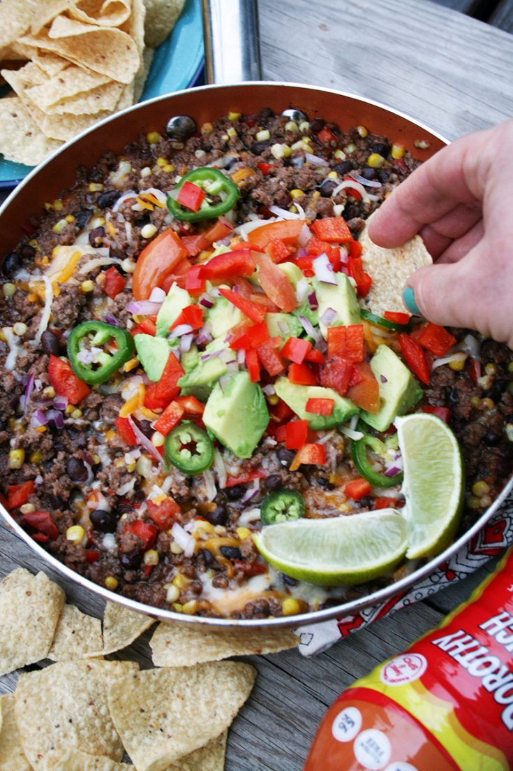 Mexican ground beef skillet, made in one pan. Dinner (or appetizer) in about 20 minutes. Click through for recipe!