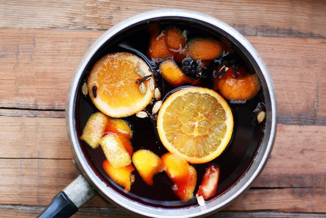 A Glögg recipe that everyone can enjoy, because it's sans alcohol. Click through for this traditional Scandinavian drink recipe.through for recipe.n enjoy it.