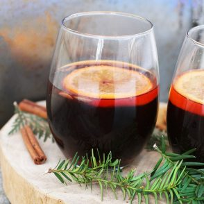 Non-alcoholic Glögg recipe: Make this traditional Scandinavian drink without alcohol! Everyone can enjoy it.