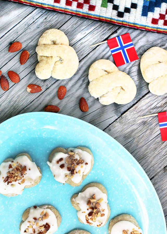 Norwegian kringla cookies: Click through for this traditional Norwegian cookie recipe!