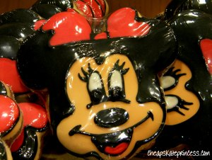 Minnie Mouse cookie, Disney character cookie, Disney cokies, Mickey Mouse cookie
