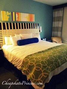 Bay Lake Tower bedroom, inside of Bay Lake Tower, Disney bed, photo of Disney bedroom, Disney sheets, cost to stay at Disney, Disney hotel cost