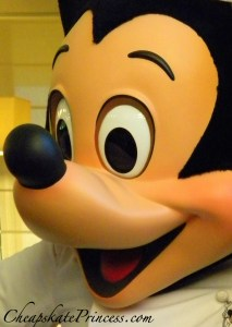 Mickey Mouse, Chef Mickey's, Chef Mickey, photo of Mickey Mouse, Picture of Mickey Mouse, Contemporary Resort character meal, I love Mickey Mouse, Mickey Mouse smiles, Mickey Mouse costume