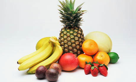 bring fruit to eat on vacation to save money