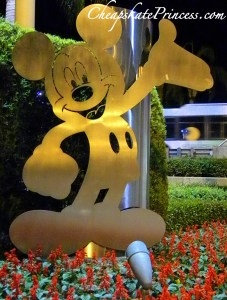 Mickey Mouse metal sign, Mickey Mouse, smiling Mickey Mouse, Disney signs, Disney World, Walt Disney World, vacation at Disney