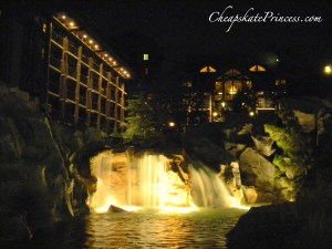 Wilderness Lodge waterfall at night, free things to do at Wilderness Lodge