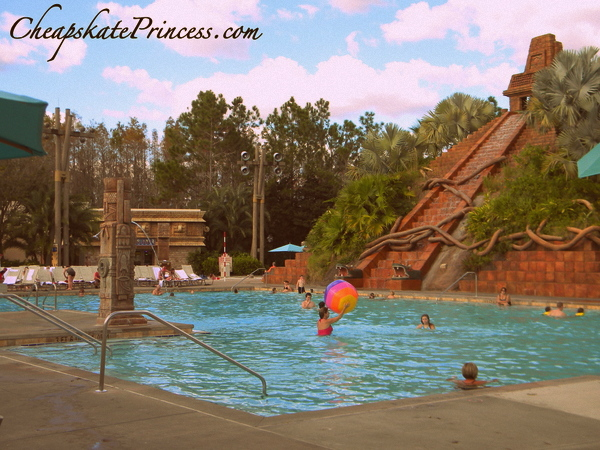 how to pool hop at Disney World