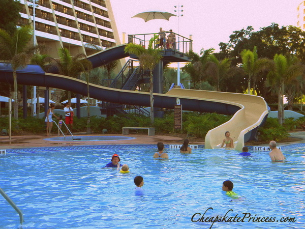 who can pool hop at the Disney Wiorld Resorts
