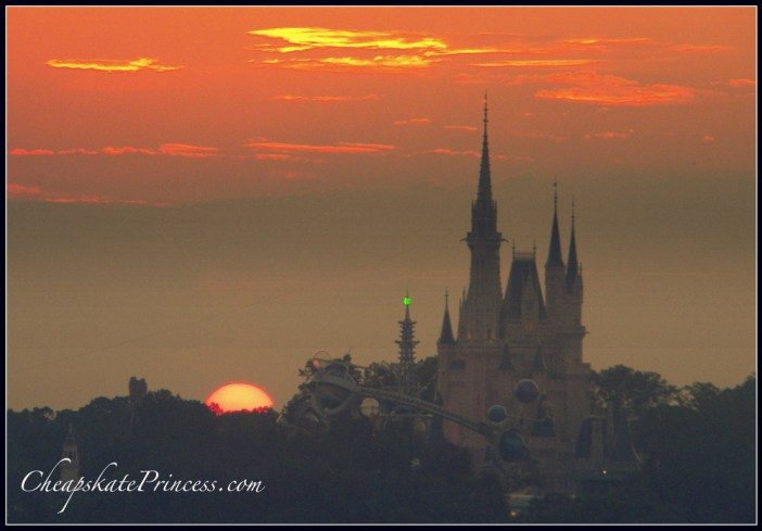how to have a good Disney vacation, tips for Disney World, first time Disney World visit, beautiful Florida sunset
