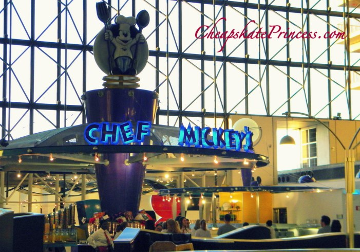 tip for Disney Dining Plan, tip for Tables in Wonderland, tip at Table Service Restaurant, tip for Free Dining Offer at Disney World, Disney World, Chef Mickey's