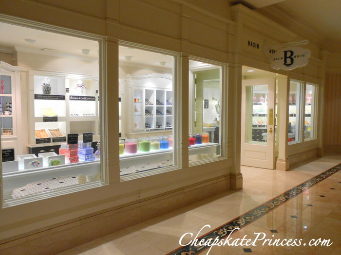 shop at Basin White Disney World Grand Floridian