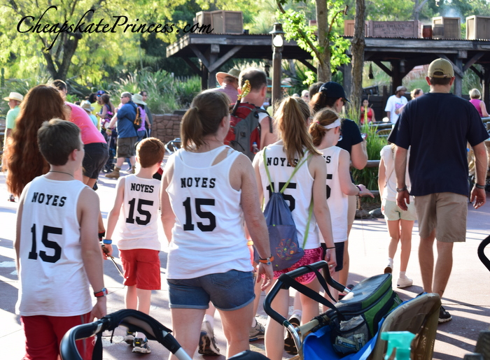 make your own shirts for Disney vacation