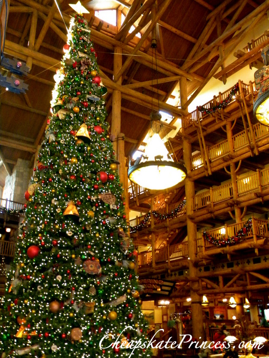 wilderness-lodge-christmas-tree