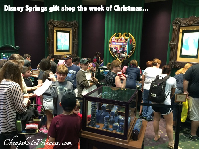 how-crowded-is-disney-world-at-christmas