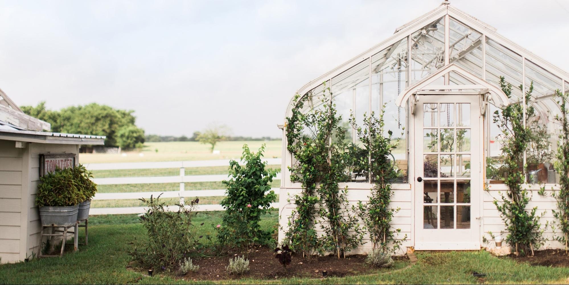 Want A Backyard Greenhouse Like Joanna Gaines? Here's How