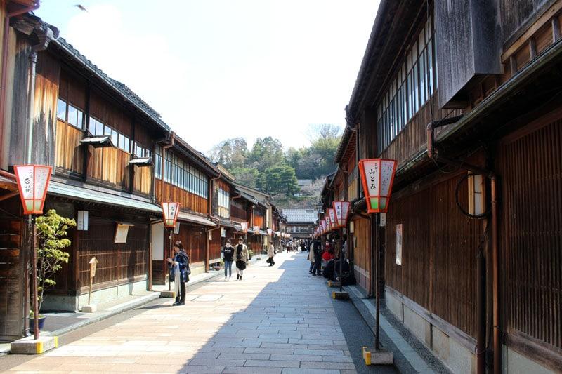 קנאזווה יפן רובע בתי התה