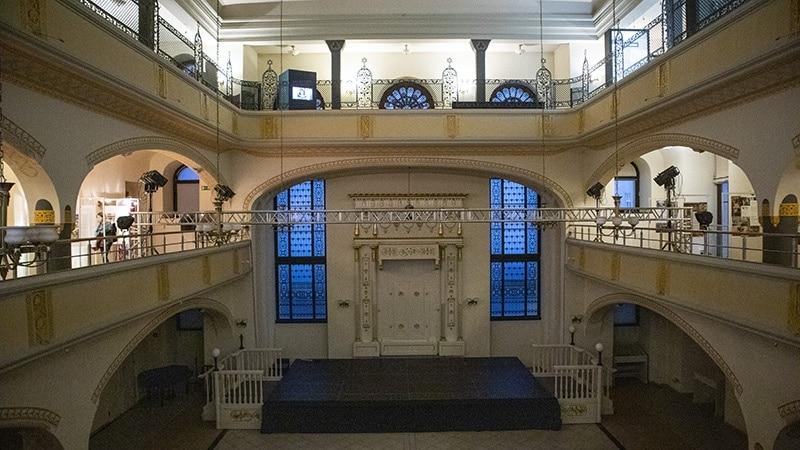 בית הכנסת החסידה הלבנה ורוצלב