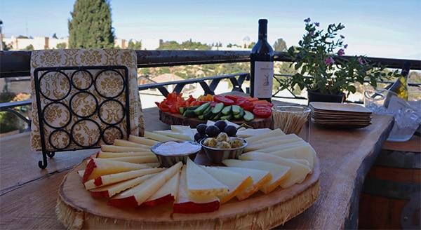 יקב ירושלים מרכז מבקרים פלטת גבינות