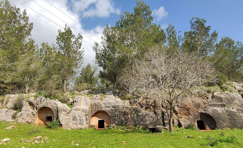 מערות קבורה מערות חרמש