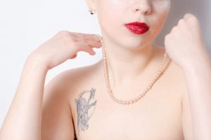 キャメロン・ダラス 彼女 タトゥー 画像 逮捕 噂