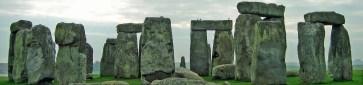 Article's Featured Photo: Stonehenge, England