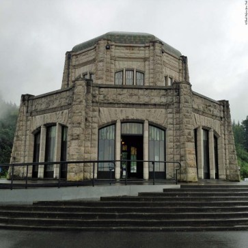 Vista House at Crown Point - Oregon