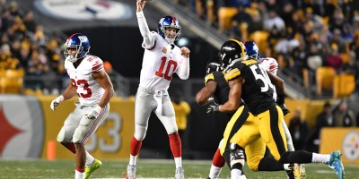 Eli Manning struggled against Pittsburgh, throwing a critical interception on the goal line in the first half.