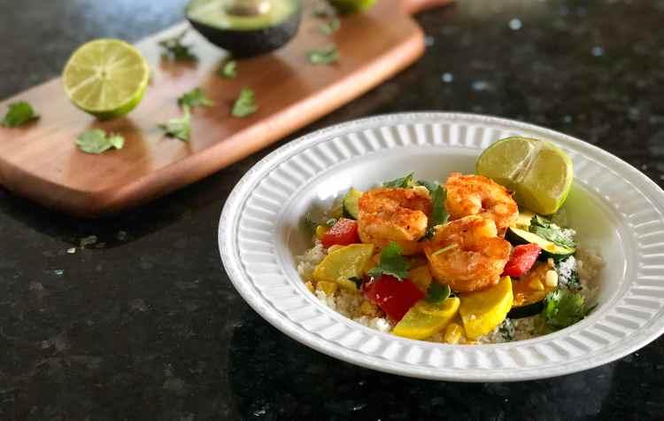 http://mackykb.com/2018/06/15/cilantro-lime-shrimp-cauliflower-rice-bowl