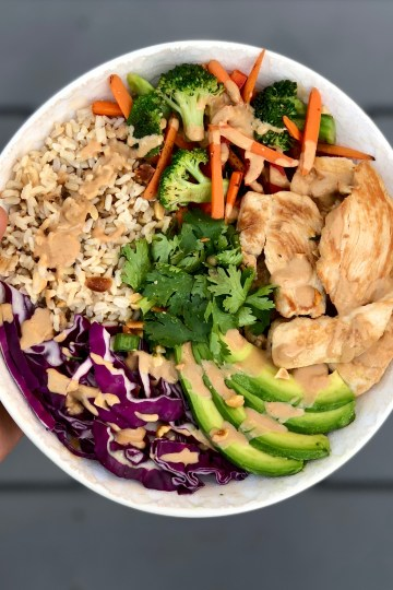 Try this delicious Thai Peanut Umami Buddha Bowl for your next meal prep, lunch, or dinner. The thai peanut sauce is liquid gold!
