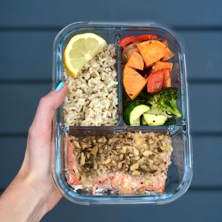 Ever feel like life is too busy to cook anymore? Make life easy with this Salmon and Chicken Meal Prep that makes 8 different meals in under 1 hour!