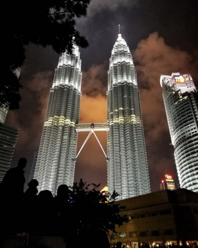 KL Twin Towers free things to do in kuala lumpur
