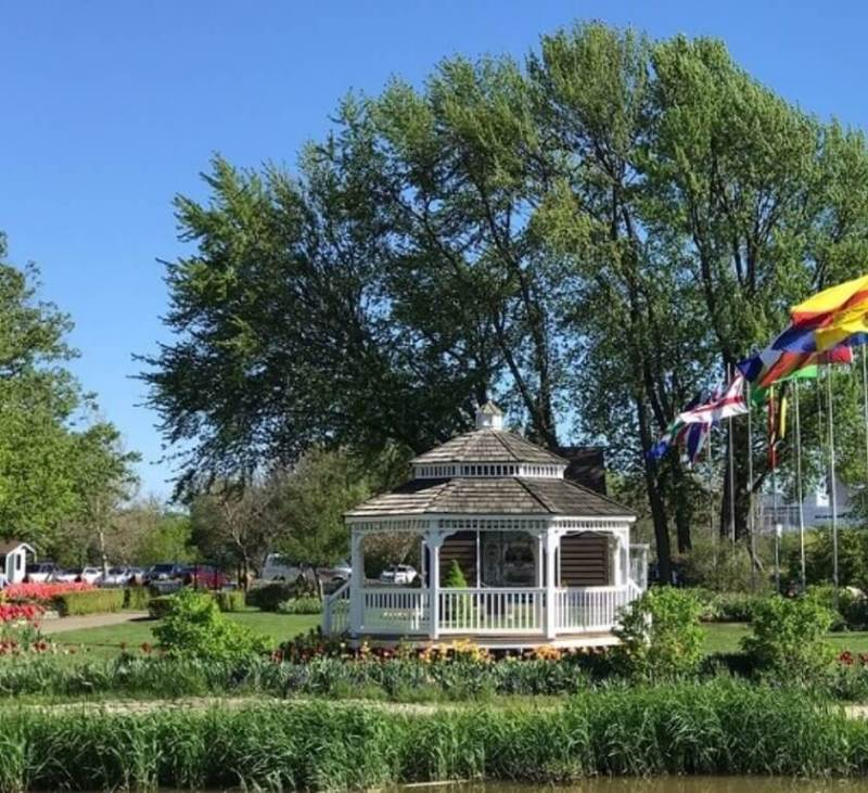 Windmill Island Gardens - Things to do in Holland