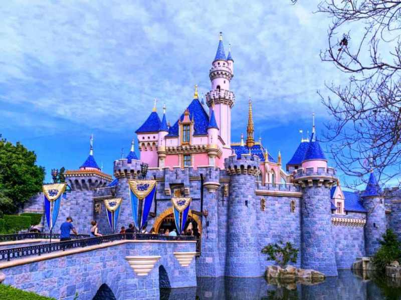 Disneyland Resort - Weekend Trips From Los Angeles