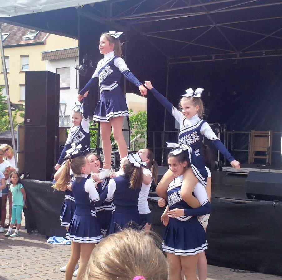 Mai | 2016 | Cheerleader