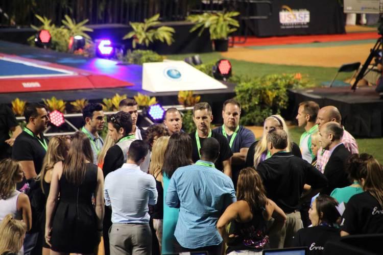 Coaches huddle-at-worlds-2016