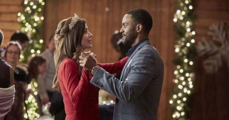 'Jingle Bell Bride': Conoce a Julie Gonzalo, Ronnie Rowe y el resto del elenco de la película navideña de Hallmark