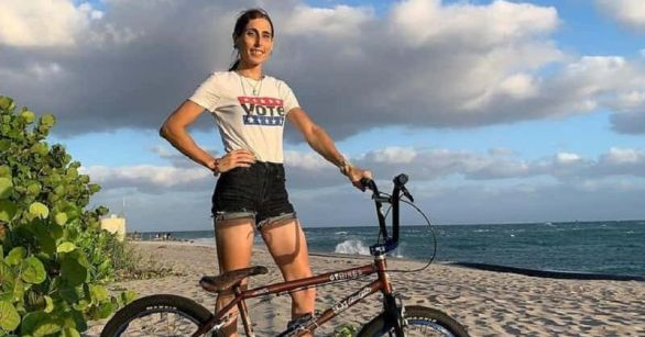 Who is Chelsea Wolfe? Trans BMX rider slammed for vowing to burn US flag at  Olympics   MEAWW