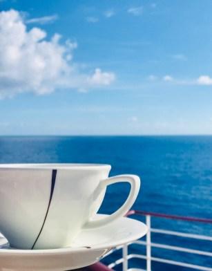 Morgen-Cappucchino an Deck